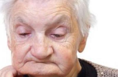 老人感到孤单 9个方法能调节