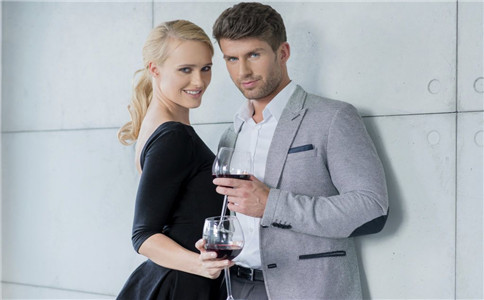 想喝红酒可以吗 喝红酒有什么好处 怎么喝红酒健康
