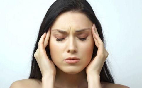 中风是怎么引起的 中风有哪些症状 中风出现的原因是什么