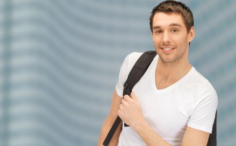 三十岁的男人穿衣服有什么技巧 三十岁的男人如何穿衣服 三十岁的男人穿衣服穿衣服要注意什么