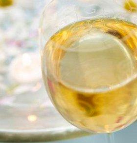 印尼爆发假酒中毒事件 至少有20多人死亡