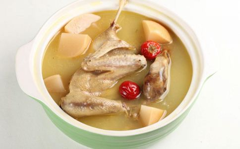 女人养生汤有哪些 美容丰胸的养生汤有哪些 女人养生吃什么好