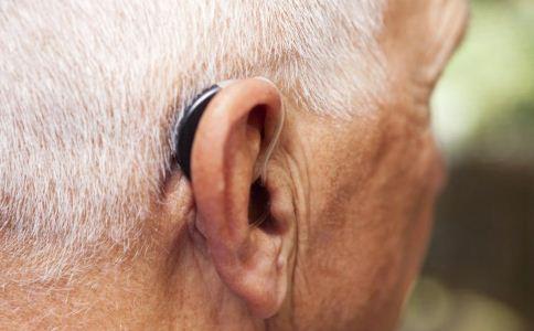 老人耳背的表现 怎么跟耳背的老人沟通 老人如何预防耳背