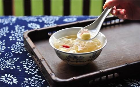 红枣银耳汤的家常 红枣银耳汤怎么做 红枣银耳汤的功效