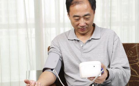 高血压的症状表现有哪些 高血压患者该怎么护理 高血压患者的护理方法有哪些