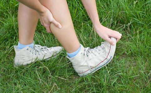 腿抽筋是什么原因 腿抽筋怎么办 腿抽筋如何治疗
