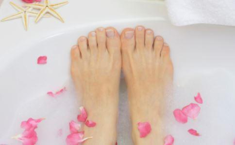 泡脚时间过长 会引起脸肿吗