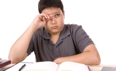 什么是阿斯伯格综合征 男孩天才病被退学 自闭症能治好吗