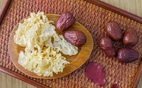 银耳红枣汤用什么锅煮 银耳红枣汤怎么煮 银耳红枣汤怎么做好吃