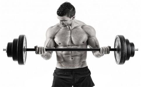 杠铃如何锻炼胸肌 杠铃锻炼胸肌的方法 锻炼胸肌常见问题