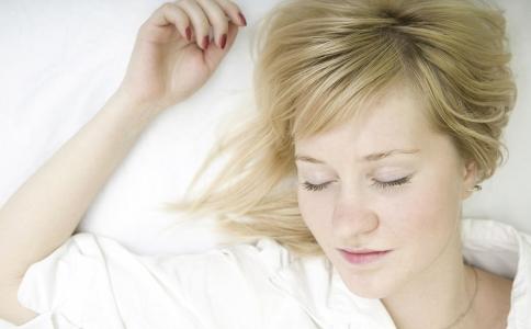 睡眠不足为什么会长胖 怎么睡觉可以减肥 睡觉减肥的方法有哪些