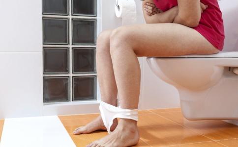 女性小便后该用纸擦吗 小便后用纸擦会患阴道炎吗 女性小便后可以用纸擦吗