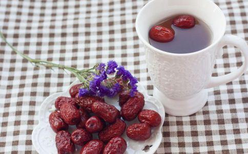 枸杞红枣茶的功效与作用 喝枸杞红枣茶的好处 喝枸杞红枣茶的禁忌