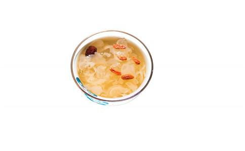 关于银耳汤保养 银耳汤的做法 银耳汤的营养