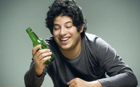 喝酒后头疼怎么办 哪些方法能快速解决