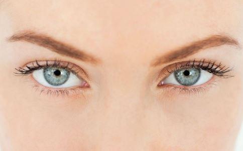从眼部怎么看健康 出现眼袋怎么回事 从眼部看健康的方法
