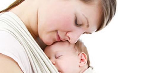 宝宝为什么喜欢抱着睡 宝宝抱着睡有哪些影响 如何改掉抱着睡的习惯