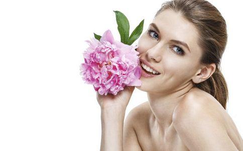 敏感肌怎么护肤 敏感肌该怎么进行护理 敏感肌日常的护理工作