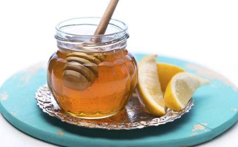 哺乳期能喝蜂蜜水吗 哺乳期喝蜂蜜水好吗 哺乳期饮食禁忌