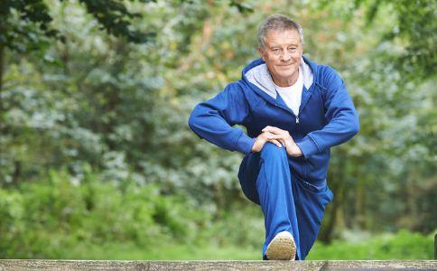 天热后老人如何锻炼 老人锻炼的注意事项 老人运动的禁忌
