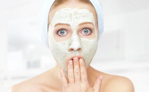 鼻子容易出油怎么办 鼻子出油怎么解决 鼻子经常出油怎么护理