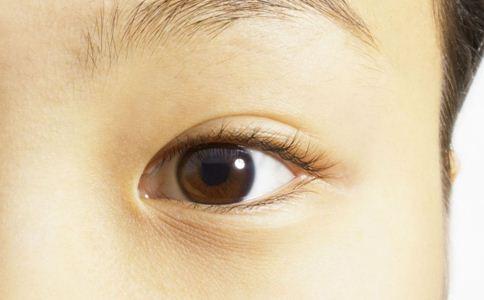 如何祛除黑眼圈 六大妙招可以试试看