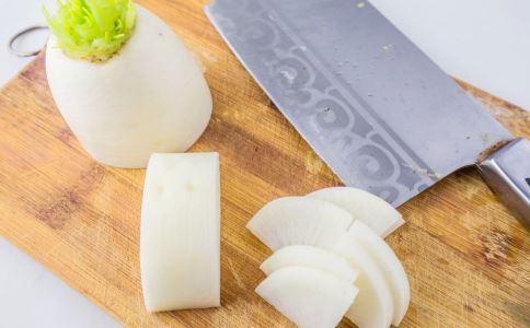 白萝卜怎么煮水 如何用白萝卜煮水 白萝卜煮水治咳嗽