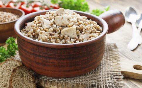 什么食物可以清肠刮油 清肠刮油的食物有哪些 吃什么食物可以排除体内毒素