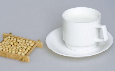 豆浆能预防乳腺癌吗_喝豆浆易得乳腺癌?这些食物是乳腺癌克星_疾病要闻_新闻_99健康网