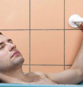 睡前热水澡能促进睡眠吗 洗热水澡注意什么 什么时候洗澡好