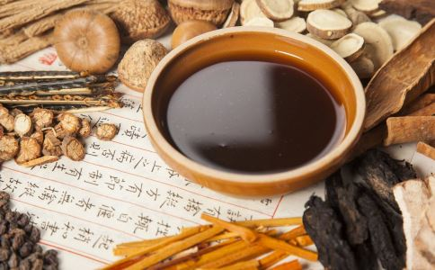 喝四物汤后拉肚子是怎么回事 哪些人可以喝四物汤 四物汤的副作用