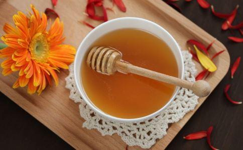 萝卜煮水加蜂蜜的功效 萝卜煮水加蜂蜜的做法 萝卜煮水加蜂蜜能止咳吗