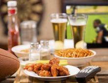 如何预防心梗 顿顿酒肉吃出心梗 预防心梗的方法