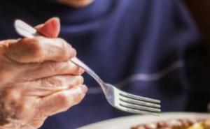 三餐吃太饱 当心患上动脉硬化
