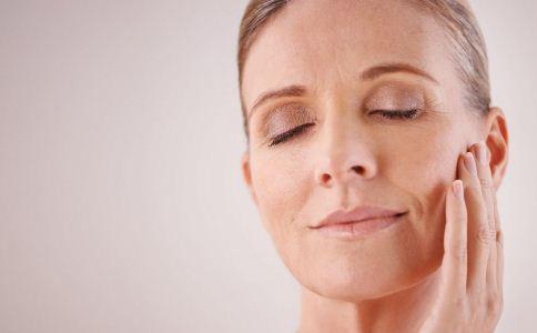 皮肤老化的症状表现有哪些 抗衰老的方法有哪些 哪些方法可以防衰老