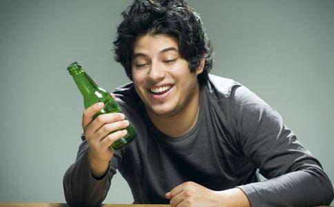 喝酒脸红怎么消除 喝酒脸红怎么办 如何解酒