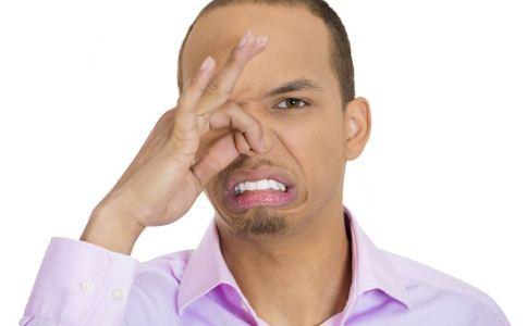 玩30分钟手机口臭 导致口臭的原因有哪些 什么原因导致口臭