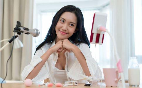 20元毒化妆品卖280 微商产品毒化妆品 如何选择化妆品