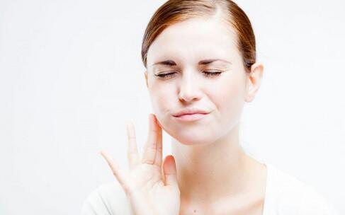 牙龈炎有什么症状 如何预防牙龈炎 牙龈炎的预防方法
