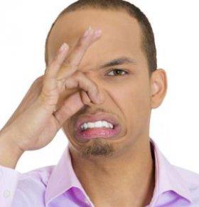 口臭的原因有哪些 哪些原因会引起口臭 口臭如何治疗