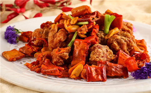 香酥辣子鸡的做法 怎么做香酥辣子鸡 鸡肉的营养价值