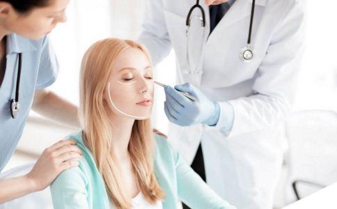 注射肉毒素要注意什么 肉毒素瘦脸效果如何 注射肉毒素后如何饮食