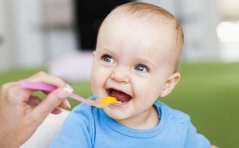宝宝辅食怎么选 如何给宝宝挑选辅食 辅食的食谱有哪些
