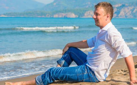 如何挑裤子 男人挑裤子有什么方法 男人怎么挑裤子好