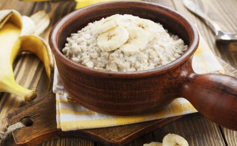 吃米饭老得快吗 米饭怎么吃可以减肥 吃米饭会加速衰老吗
