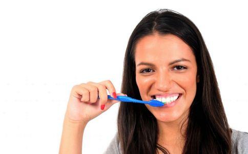 应该怎么美白牙齿 美白牙齿怎么做 如何美白牙齿
