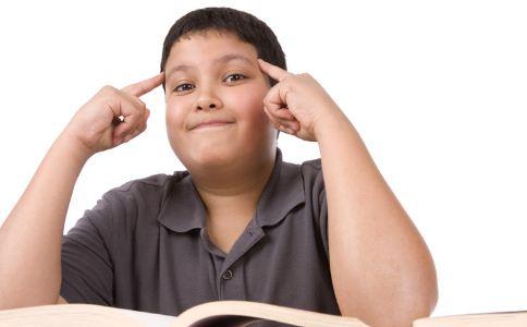 世界最胖男孩甩肉190斤 肥胖如何减肥 肥胖的危害有哪些