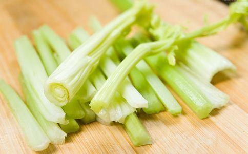 芹菜可以治疗高血压吗 高血压吃什么好 高血压患者该怎么饮食