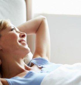 女人没做好月子会有哪些症状 女人要怎么坐月子 女人应该怎么坐月子