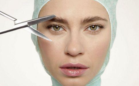 内切口眼袋手术需要注意什么 内切口眼袋手术的恢复期是多久 什么是内切口眼袋手术
